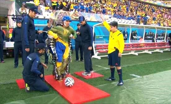 Esoscheletro Mondiali Calcio 2014